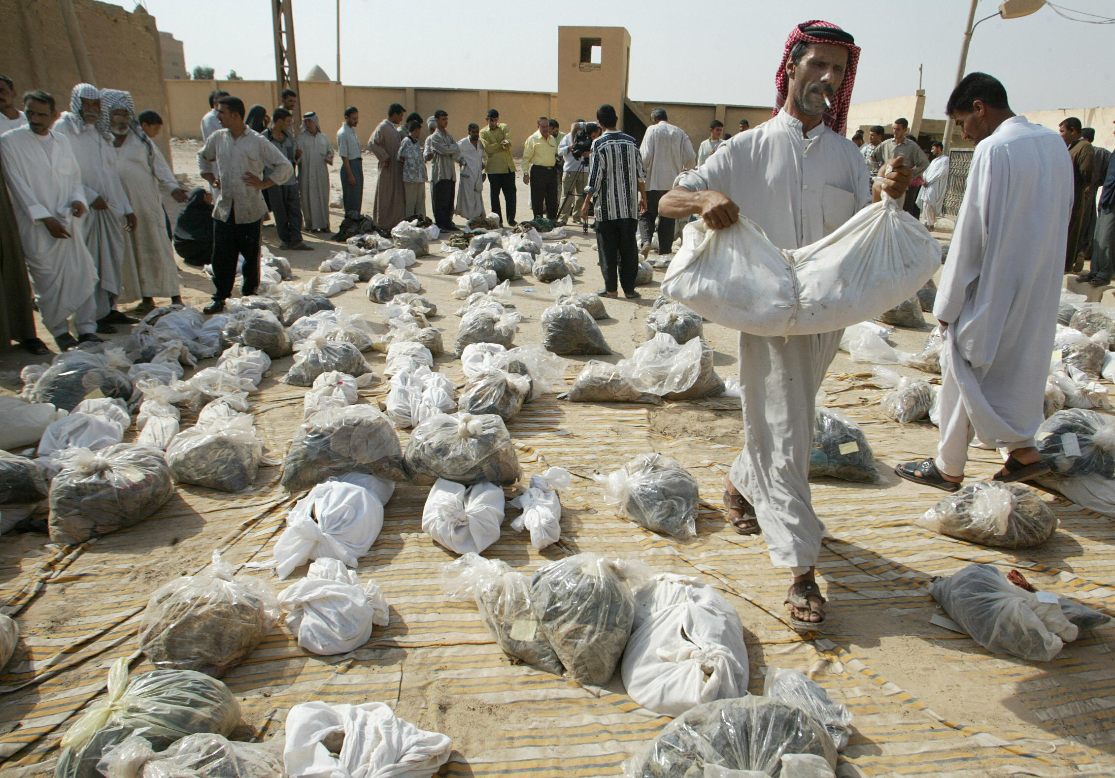 Remains from mass grave near Najaf / gettyImages